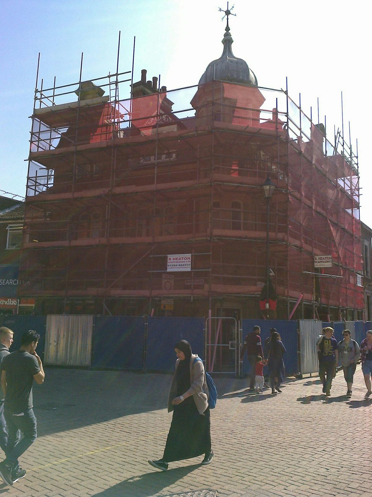 Scaffold goes up on first Blakey Moor THI repair project